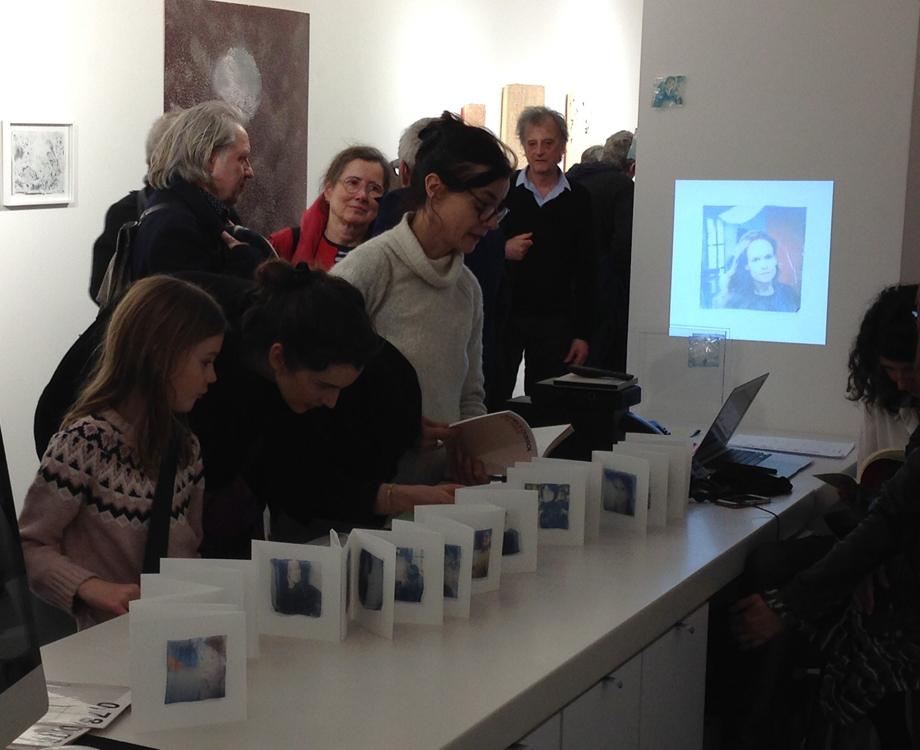 """Stéphanie Guglielmetti présentant """"0,78"""" à la Galerie Jean Fournier dans la cadre de la Journée Internationale de la Femme, Paris 2019"""